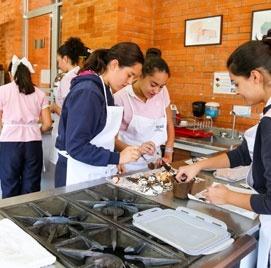Cursos de Gastronomía en el colegio del opus dei para niñas Yaocalli