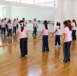 Salón de danza en el colegio del opus dei para niñas Yaocalli